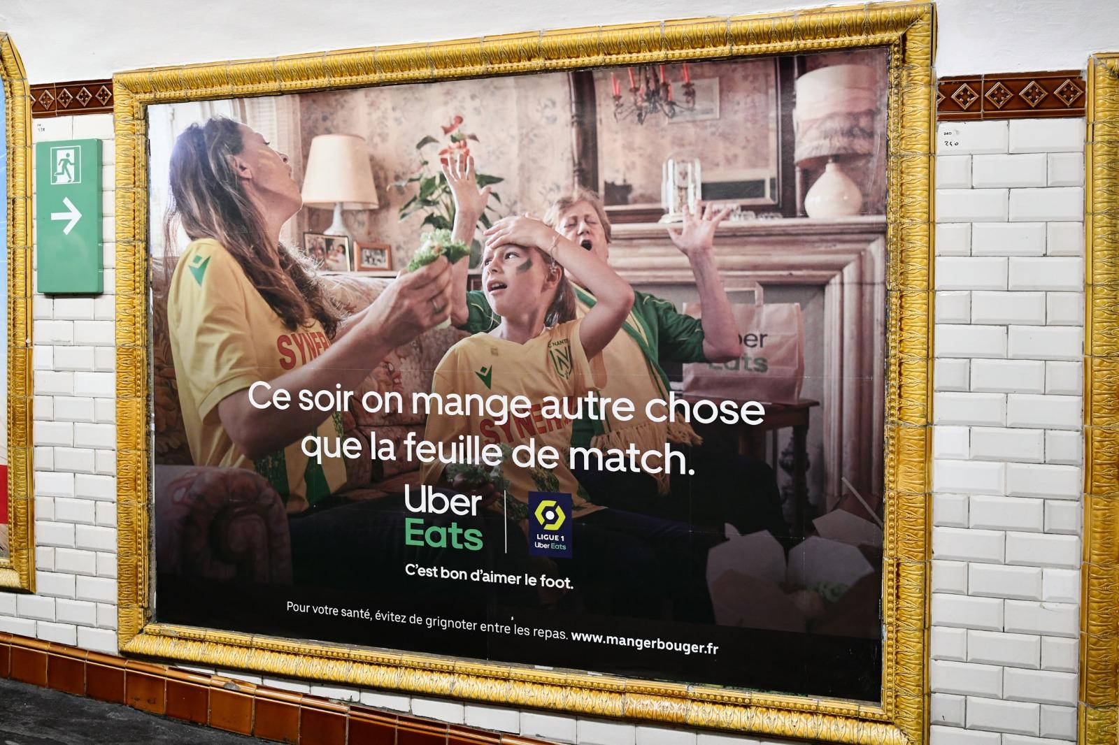 Mise_en_situ_1_UberEats_cest_bon_daimer_le_foot_ligue1_ligue2_lafourmi